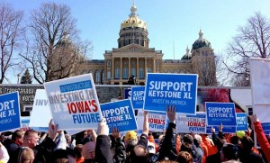 Keystone-XL-Iowa-Rally-Supporters-640x387